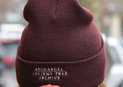 beanie_brown_back